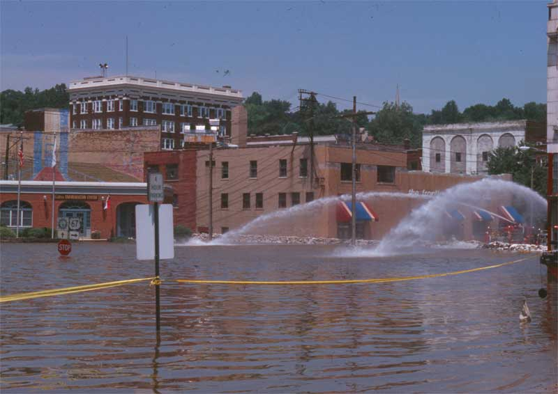 19. 1993 Flood photo 1