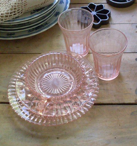 depression-glass-pink-solitary-spinster